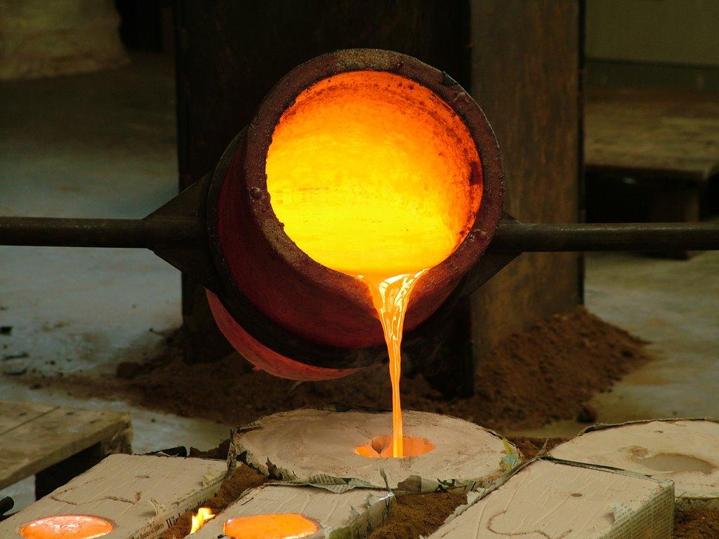 Как выплавить металл в домашних условиях